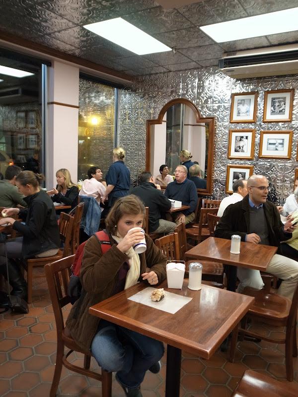 美國麻塞諸塞州《波士頓》-義大利區老店裡甜的龍蝦尾Mike's Pastry - 言不及義的流浪癖 - udn部落格