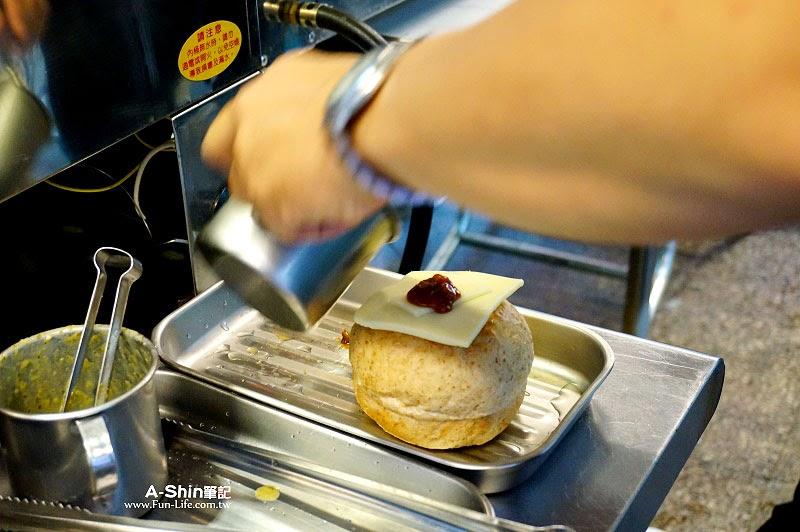 一中街美食-麵包彈7
