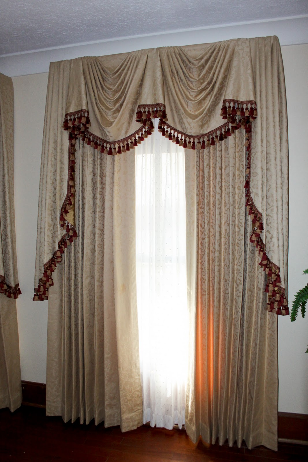 Dawn S D S Amp Decor Elaborate Empire Valance Amp Panels
