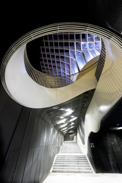 *西班牙-賽維利亞廣場古城新地標:大型蜂巢傘狀建築Metropol Parasol! 10