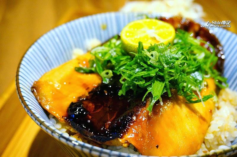台中日式丼飯,逢甲滿燒肉丼食堂-8