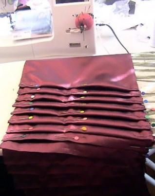 plissage du volant de la jupe