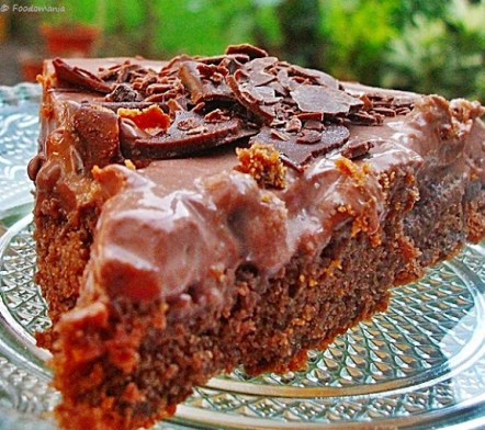 chocolate Cakey pudding pie recipe by Kavitha Ramaswamy of Foodomania.com | Best Chocolate Cake Ever!