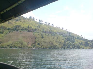 Jalan-jalan ke Danau Toba: Bagian 2/2 - Pulau Samosir (3/6)