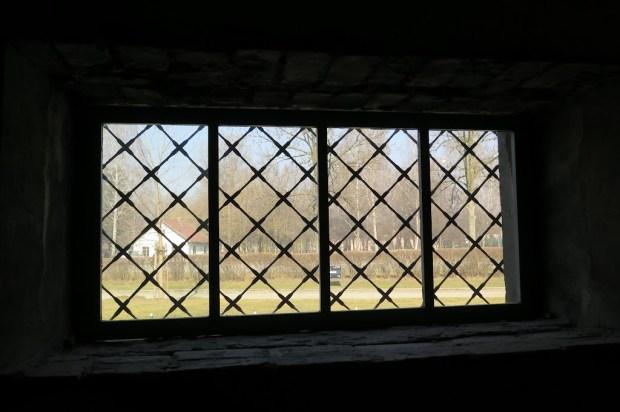 Für viele der letzte Blick nach draußen - Fenster im Auskleideraum