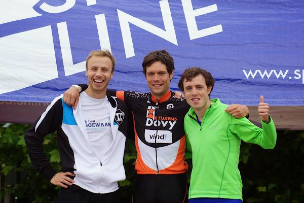 Winaars bij de trio's van de 1/8e triatlon Roeselare - 1 juni 2014