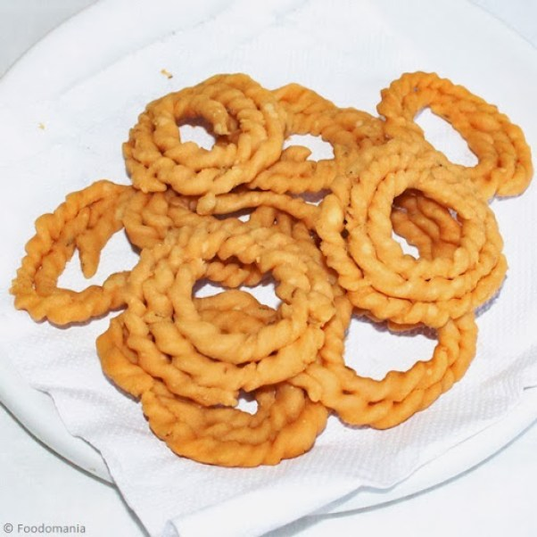 South Indian Suthu / Kai Murukku Recipe