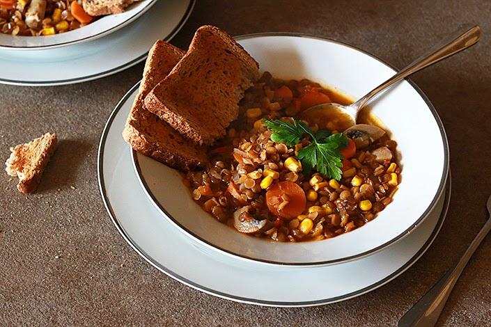 recette végétarienne facile, recette épicée, soupe de lentilles et légumes, plat protéines végétales, plat végétarien épicé