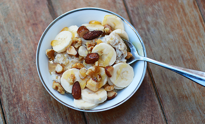 quick and healthy breakfasts, what to eat in the morning, breakfast ideas, oatmeal recipe, granola recipe