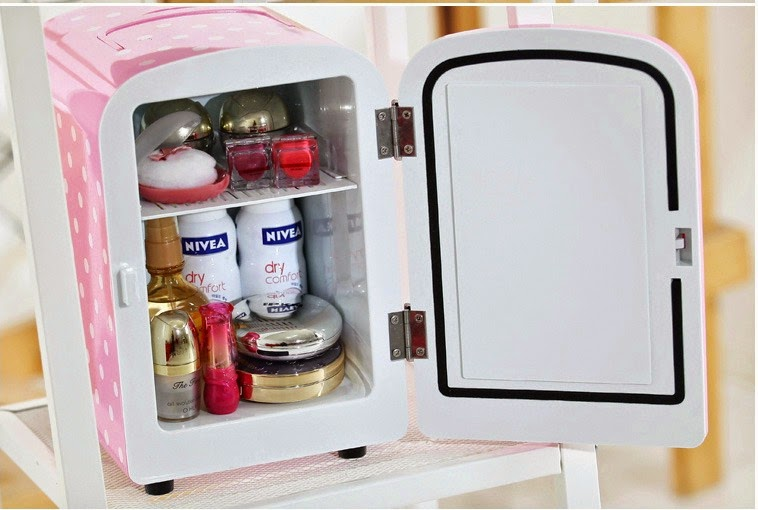 Geladeira para guardar e conservar cosméticos