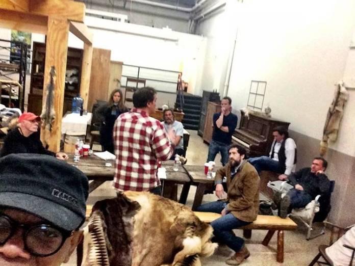Quentin Tarantino dando instrucciones al reparto
