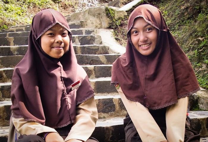 Kampung Naga girls