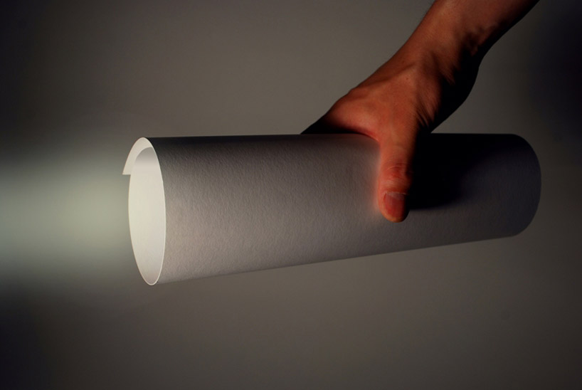 *LED紙捲手電筒:山中一宏節能輕設計! 1