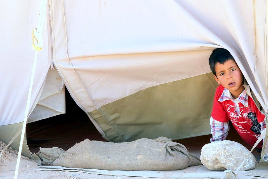 Skilda bud om chavez fredsplan for libyen