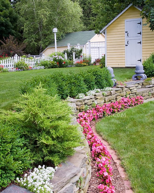 landscape design salary: Small yard landscaping ideas ... on Grassless Garden Ideas  id=52927