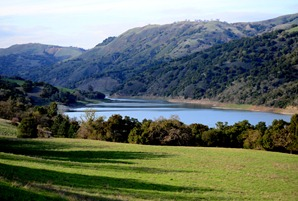 Coyote Lake from the Valley Oak Trail