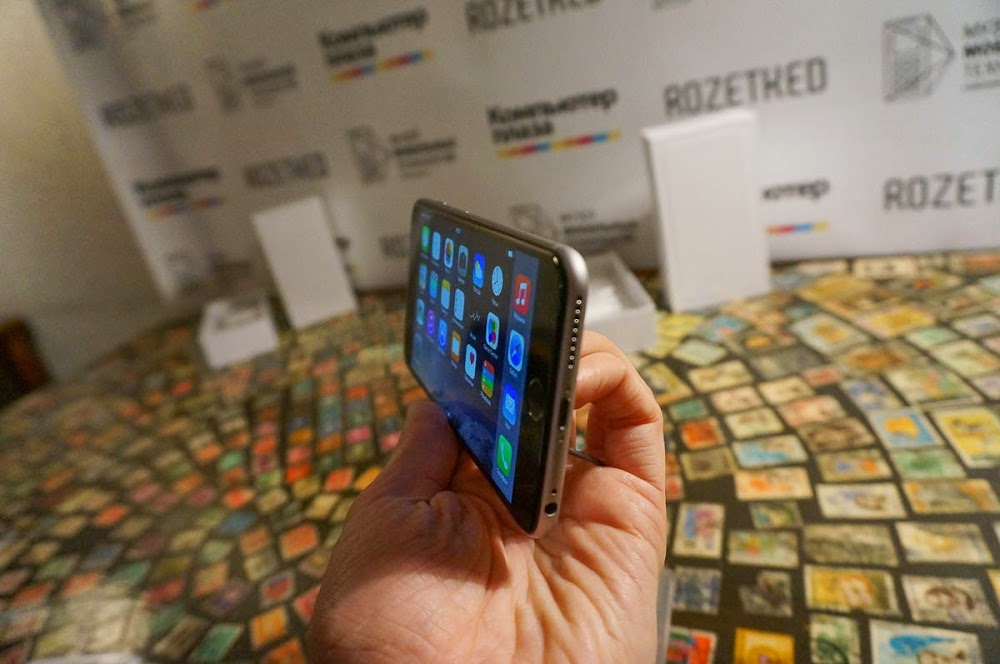 iPhone 6 event Russia-12.jpg