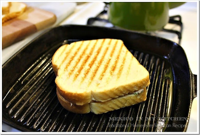 Chipotle Tuna Sandwich11