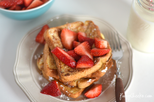 French Toast with Fresh Strawberries - Recipe