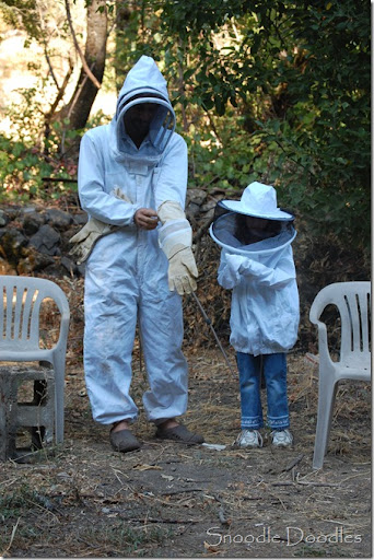 Beekeepers 09-11 001