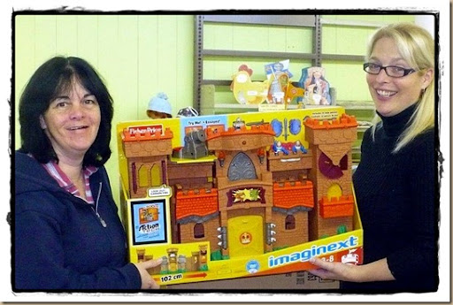 2012-12-20 Remise de jouet Fisher Price de Maryse St-Arnaud pr Cie