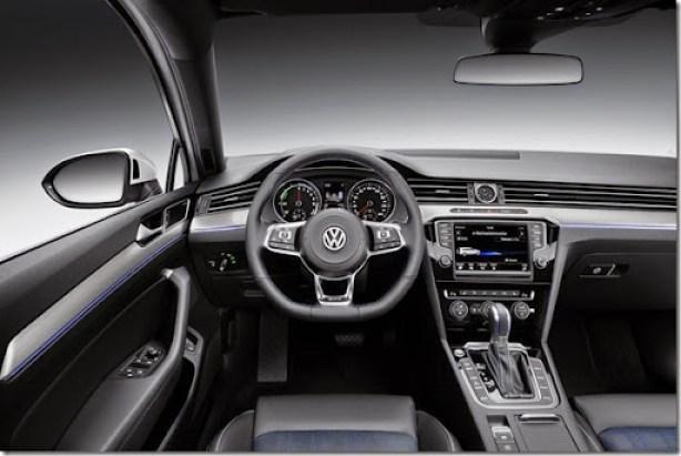 VW-Passat-GTE-15