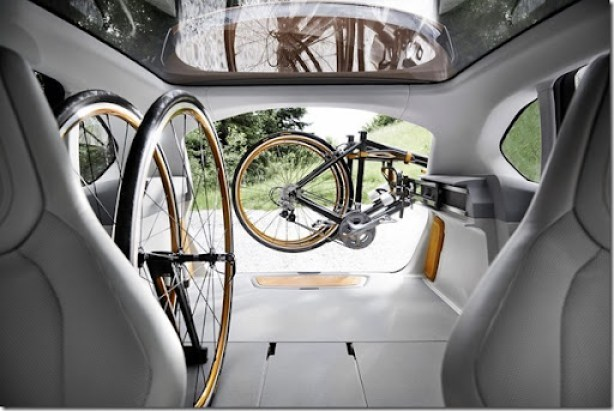 BMW-Concept-Active-Tourer-Outdoor-27[2]