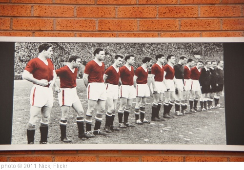 'Old Trafford 015' photo (c) 2011, Nick - license: http://creativecommons.org/licenses/by/2.0/