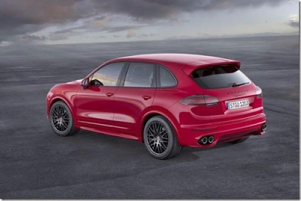 2015-Porsche-Cayenne-GTS-V63