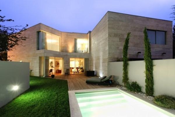 Casa-L02CR-de-ARQX-Architects