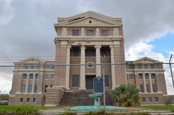 the Nueces coutrhouse was abandoned in 1977 built in 1914