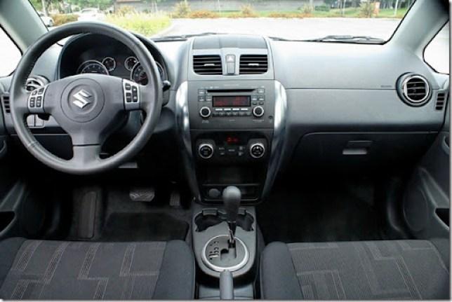 2010 SX4 interior