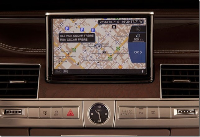 AUDI A8 GPS