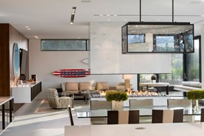 diseño-de-interiores-Casa Daniel's Lane Blaze Makoid Arquitectura