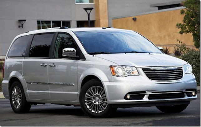 Chrysler-Town_and_Country_2011_1600x1200_wallpaper_04