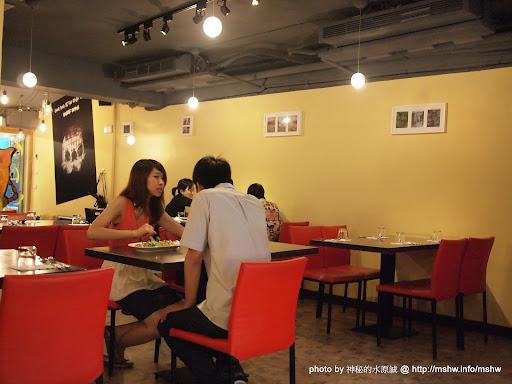 【食記】台北Dancing Pig 豬跳舞小餐館@大安捷運MRT國父紀念館 : 怎麼跟我想得不太一樣...我被豬嚇到了= =|| 區域 午餐 台北市 大安區 捷運美食MRT&BRT 晚餐 烤雞 燉飯 義式 飲食/食記/吃吃喝喝 麵食類