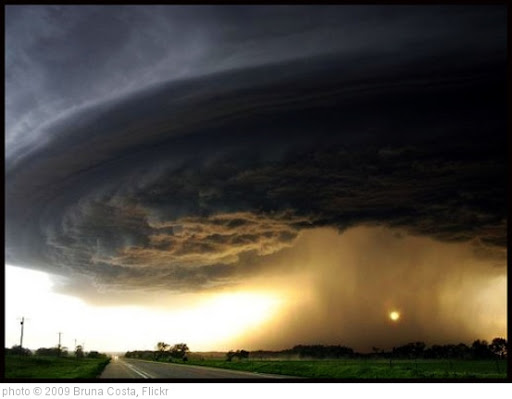 'Storm!' photo (c) 2009, Bruna Costa - license: http://creativecommons.org/licenses/by/2.0/