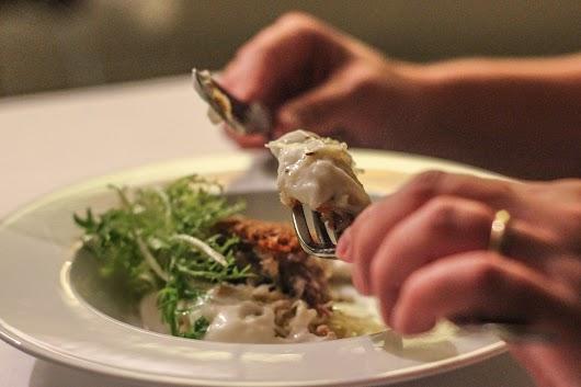 Syltede svinekæber i hyggeligt selskab med sur kål og peberrod hos De 2 Have i Skagen - Mikkel Bækgaards Madblog