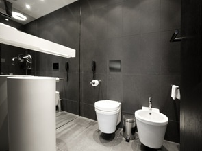 baño-diseño-minimalista-Hotel-Graffit-diseño-Studio-MODE
