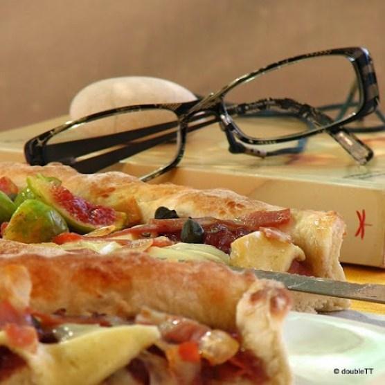 pizza sa slatkim od luka i smokava-7