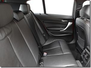 2012_BMW_125i_(_F20_)_5-door_M_Sports_Package_-_Australian_version_012_9107