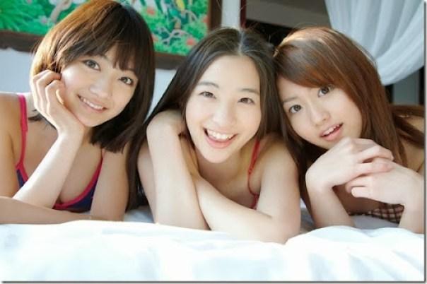 Suzuka_Morita_-_Rika_Adachi_-_Misaki_Momose_53