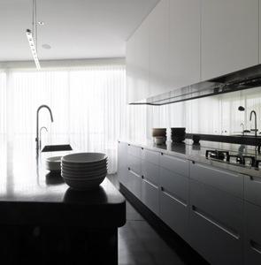 cocina-minimalista-balcony-over-bronte-by-luigi-rosselli-architects