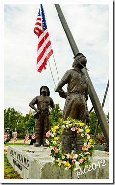 DSC_3133firefighter-statue-wreath