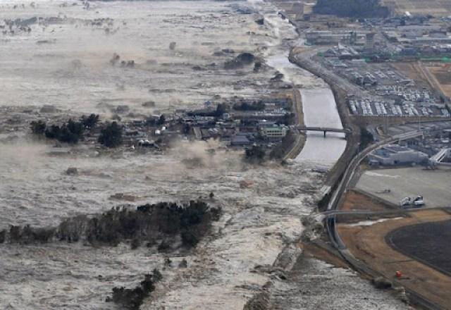 Iwanuma, norte do  Japão. 11/03/2011. Foto: Kyodo News/AP