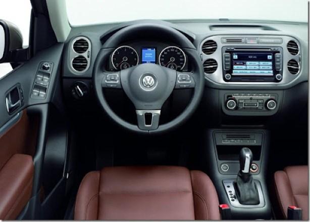 Volkswagen-Tiguan_2012_1600x1200_wallpaper_3c