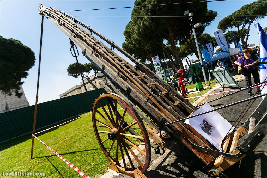 LookAtIsrael.com: Фото-блог о путешествиях по Израилю. Тель Авив, Иерусалим, Хайфа Ну тут я думаю все понятно - ручная пожарная лестница