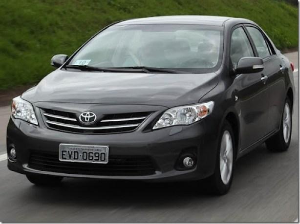 Toyota-Corolla-2013-8