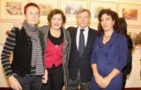 """FOTO DE PEDRO URRESTI PARA LA MIRILLA. Navidad 2008: Belén Alvarez, Naty Alonso, Evencio Cortina, Maria Eugenia Luzarraga """"Euke"""""""