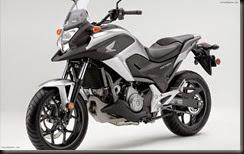 Honda-NC700X-2012-widescreen-11